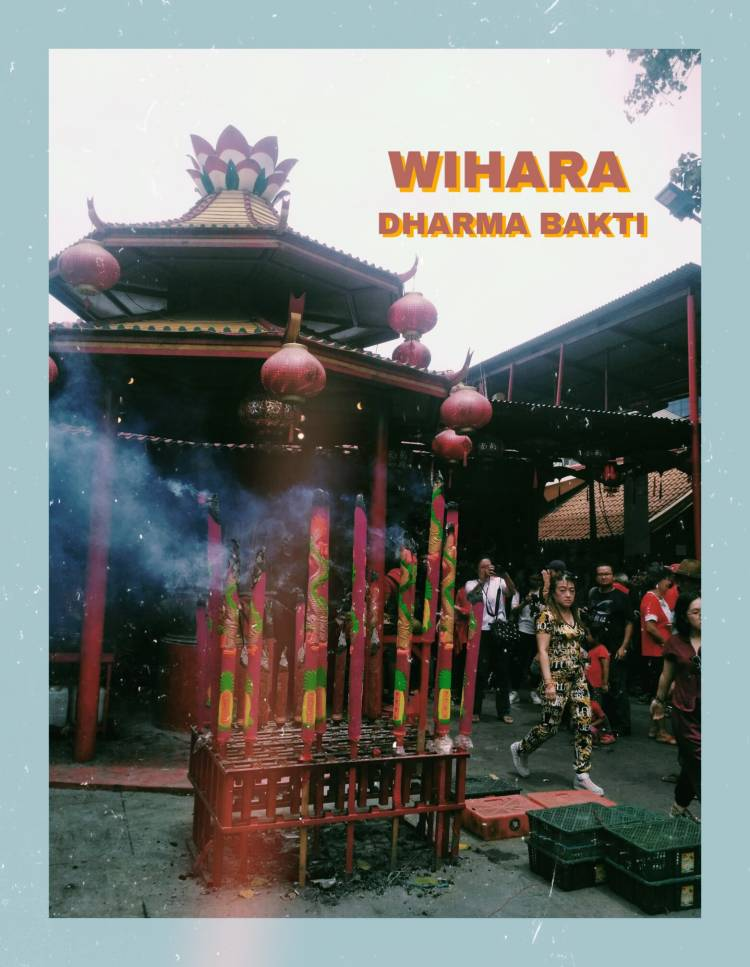 Tradisi Unik Saat Imlek di Wihara Dharma Bakti