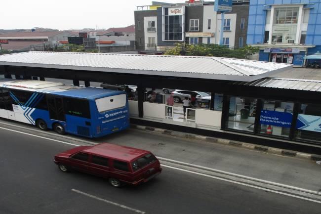 Ayo Naik Angkutan Umum! Agar Udara Jakarta Bersih Kembali