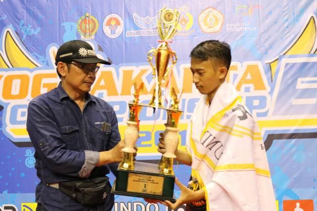 Gagal Sabet 9 Emas, Pesilat Unindra Tetap Jadi Juara Umum di Yogya