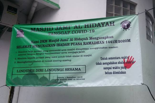 Tak Hiraukan Pergub DKI Tentang PSBB, Jamaah Masjid: Mati Sudah Ada Yang Ngatur!