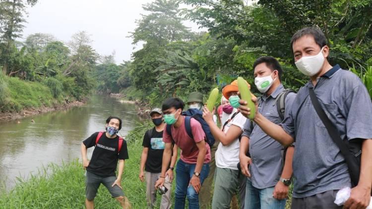 Susur Sungai dan Observasi Keanekaragaman Hayati Kali Ciliwung dalam Hareuga Trip