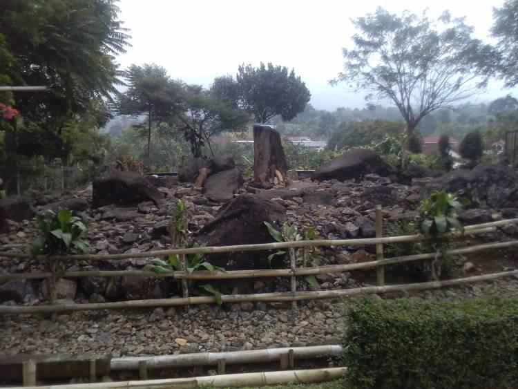 Situs Kuta: Tempat Berharga Meski Tersembunyi di Balik Kandang Ayam